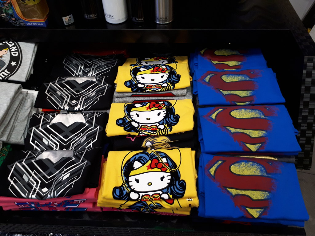 City Girl City Stories: DC Super Heroes Cafe