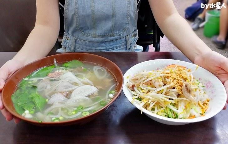 40789508333 b1e8ef9f61 b - 台中超高CP值平價越南料理!米線、河粉只要70元起,用餐時間人潮大爆滿