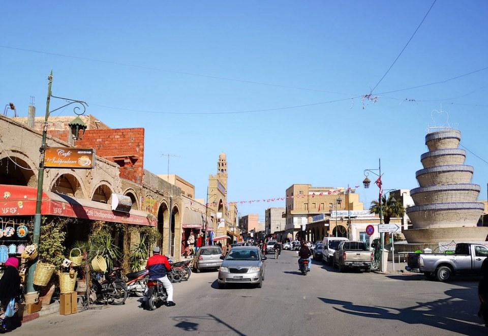 Mezquita el Ferdous en Avenida Habib Bourguiba Tozeur Tunez 03