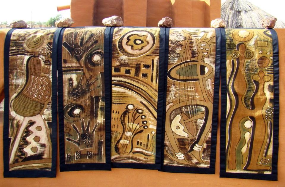 secado al sol Taller de teñir tela de algodon bogolan artesanos Segu Mali 07