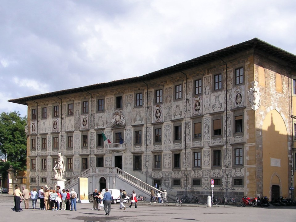 exterior Palazzo della Carovana o Palazzo dei Cavalieri Pisa La Toscana Italia 07