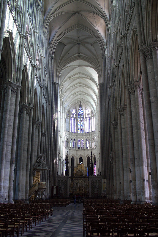 Центральный неф Амьенского собора, Амьен, Франция