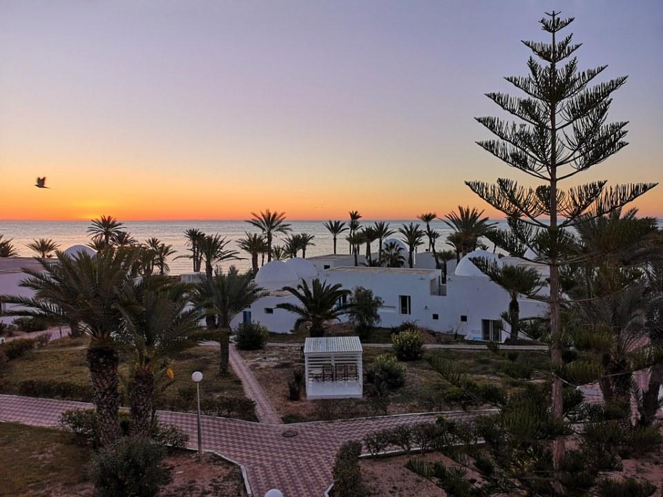 puesta de sol en Mar Mediterraneo Tunez 01