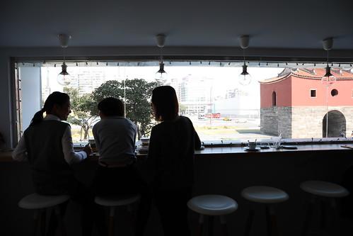 【寫生】在「MKCR山小孩」咖啡館畫台北北門(14.6ys)