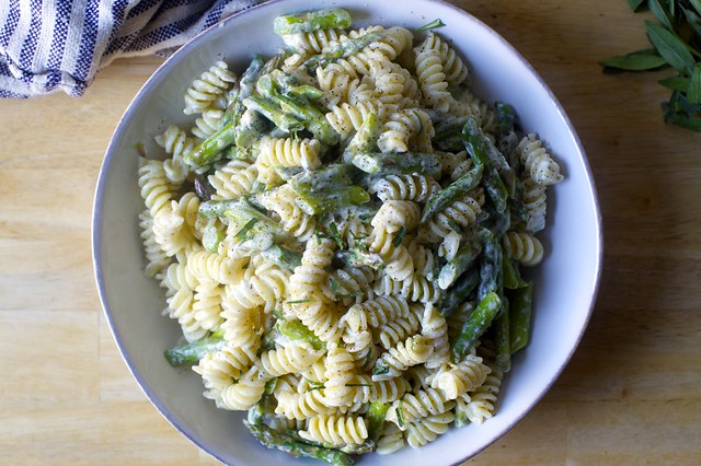 asparagus, goat cheese, and lemon pasta