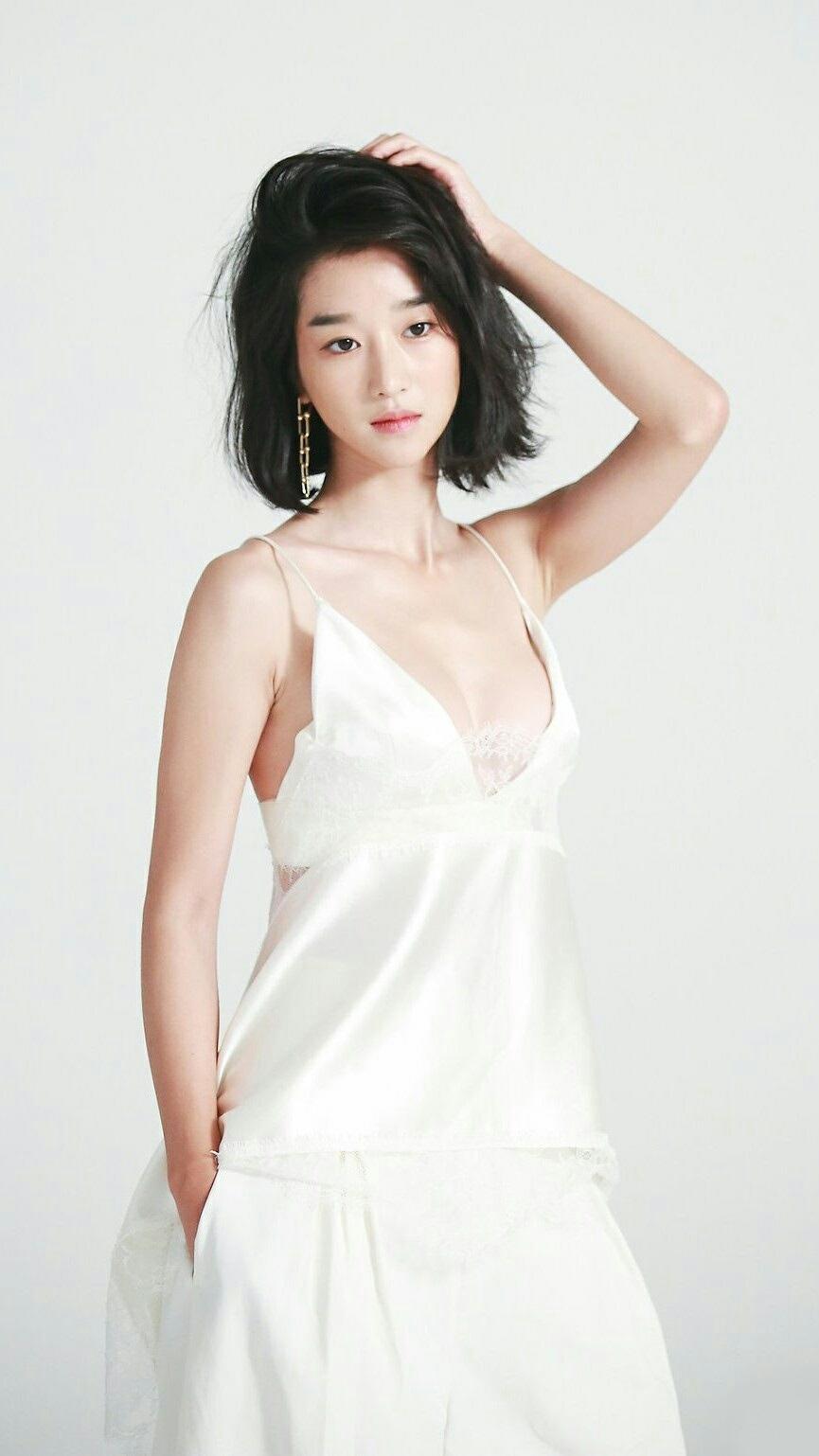 Seo Ye-ji 190412-1 – Hey girls
