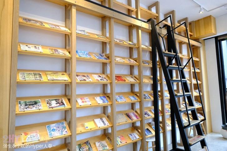 47809194041 286b938cf4 c - 說書旅人   有免費書籍可室內閱讀的不限時咖啡廳!餐點飲料都不到百元,也有提供wifi和插座哦~