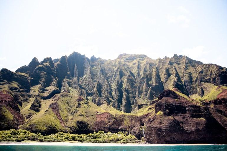 Na Pali Coast Sea Cave and Snorkel with Na Pali Pirates - Kauai Things to do, Kauai Travel, Kauai Activities, Kauai Must do, Kauai Travel Tips, Na Pali Coast Tour, Na Pali Coast   Wanderlustyle.com