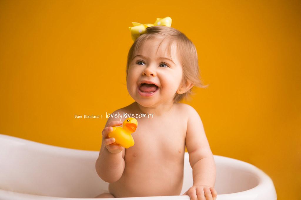 danibonifacio-lovelylove-fotografia-foto-fotografa-baby-criança-infantil-acompanhamento-mensal-ensaio-smashthecake-book-estudio-ensaio-newborn-balneariocamboriu-itajai-itapema-bombinhas-portobelo-gaspar-brusque2