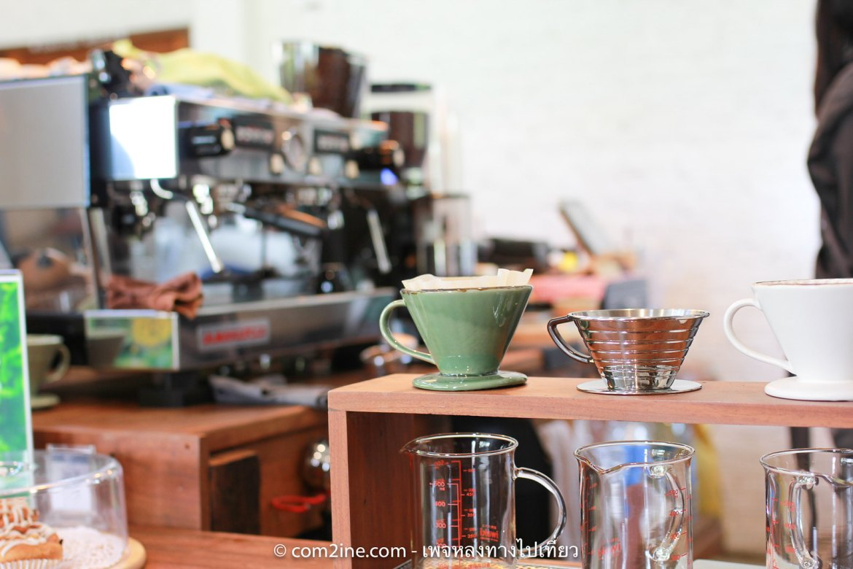 คราฟท์คาเฟ่ มุมบาร์ใกล้เครื่องชงกาแฟ