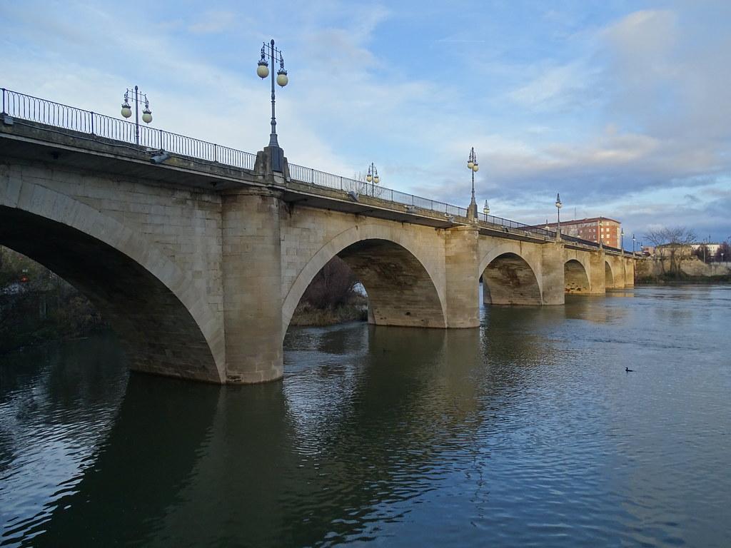 puente de Piedra o de San Juan de Ortega rio Ebro Logroño La Rioja 04