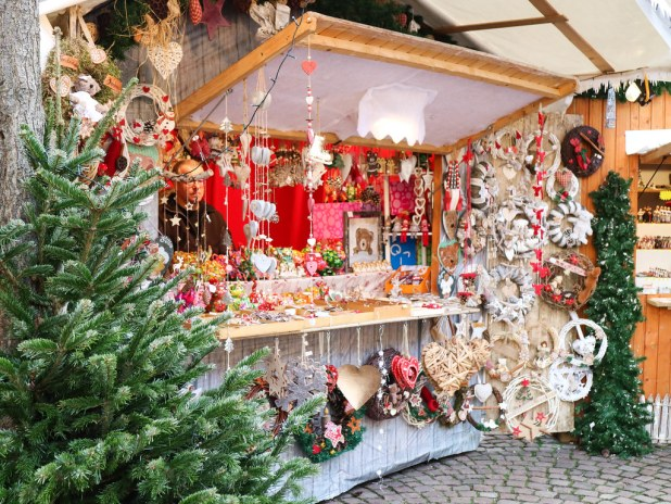 Adornos de navidad en Alsacia