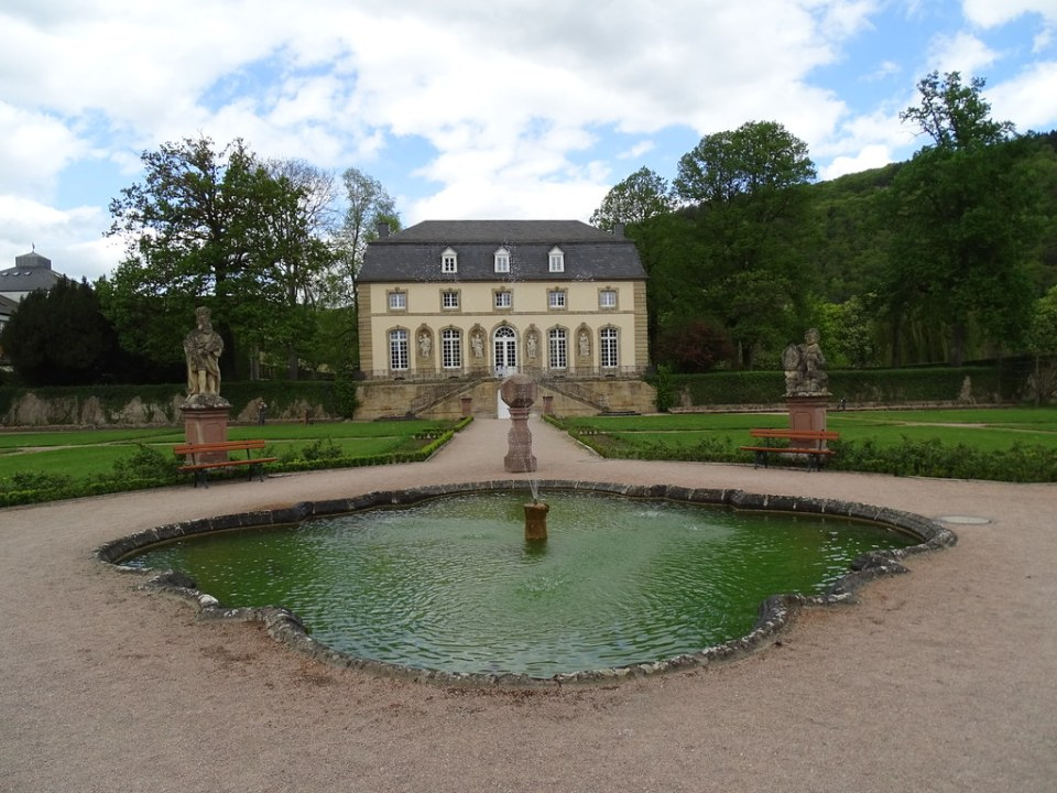 Orangerie antigua casa de huespedes de la Abadia de Echternach Luxemburgo 03