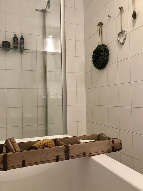 Badplank douche glazen wand badkamer