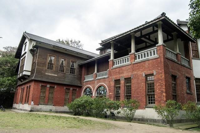 hot-springs-cultural-center-651841_1920