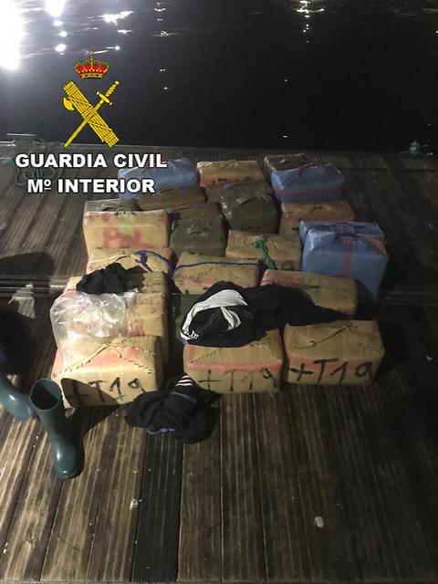 La Guardia Civil intercepta una embarcación con 720 kilogramos de hachís