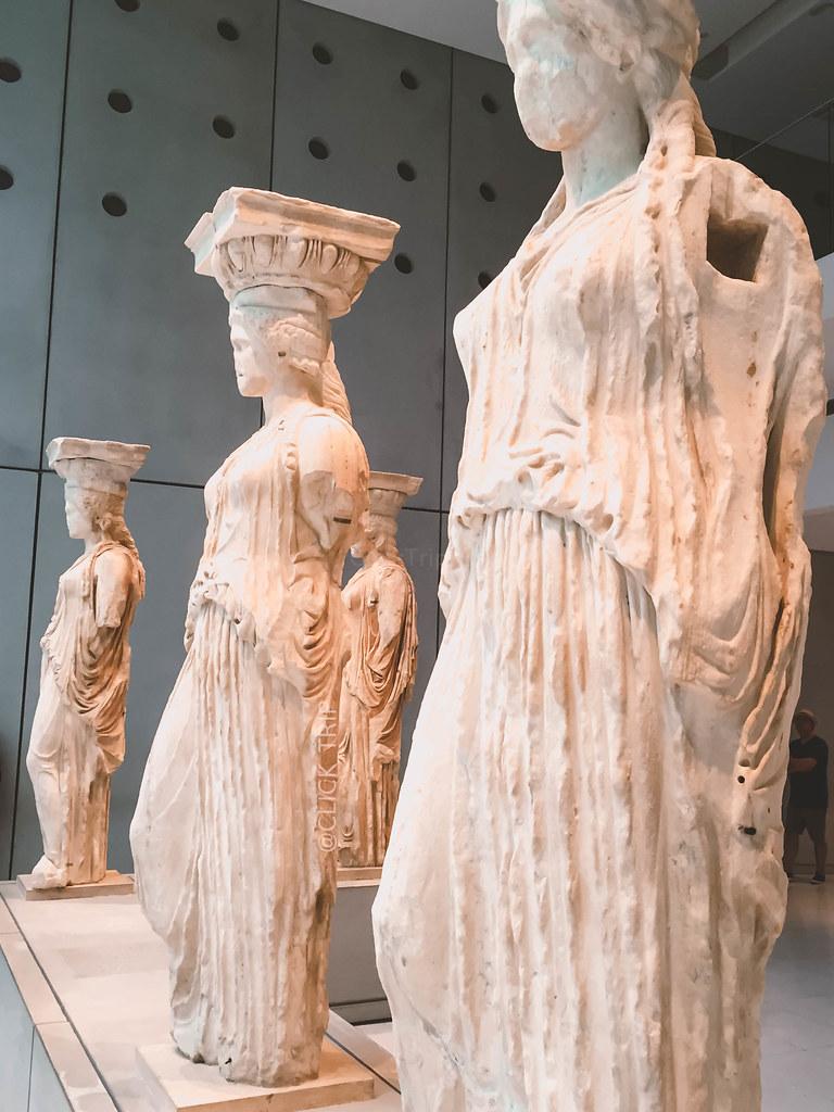 · Cariátides originales, Museo de la Acrópolis · ¿Qué ver en la Acrópolis de Atenas? · Ruta por Grecia ·