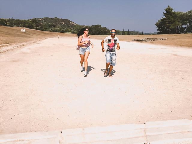 Corriendo por el estadio de Olimpia | Grecia