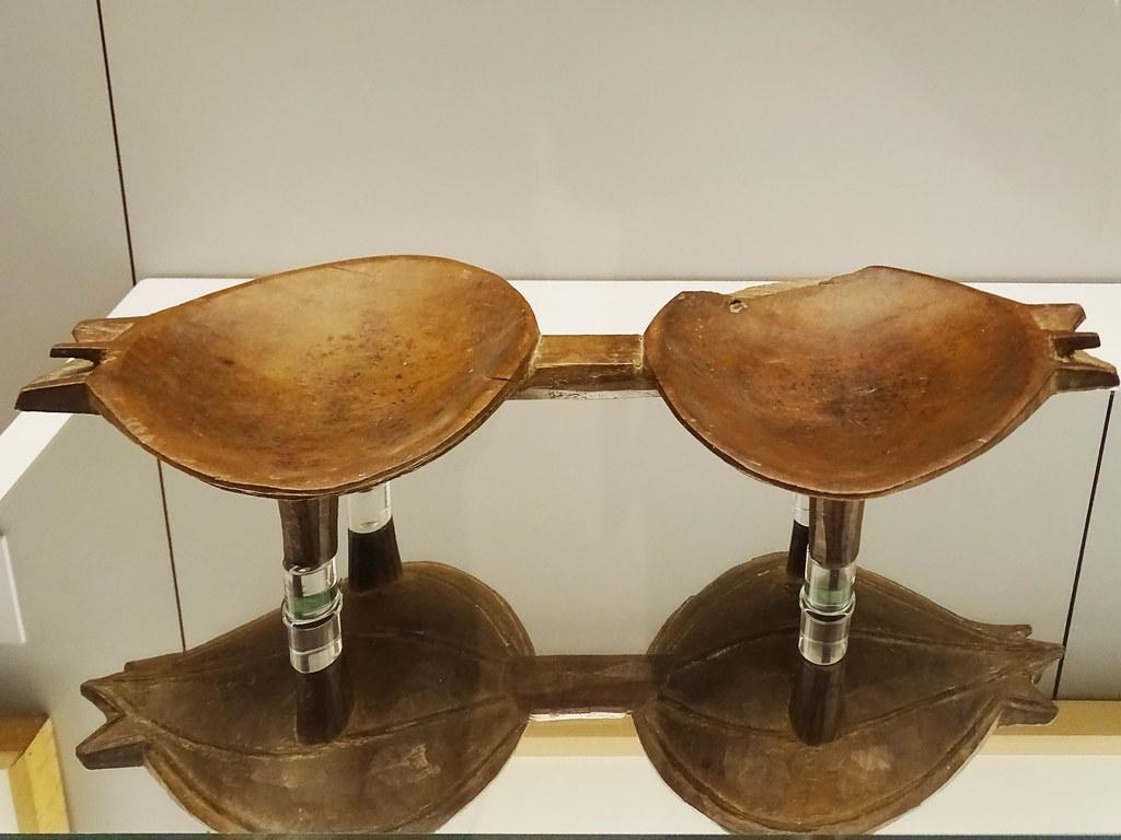 Cuenco doble de madera archipielago de Tonga Polinesia Museo de America Madrid