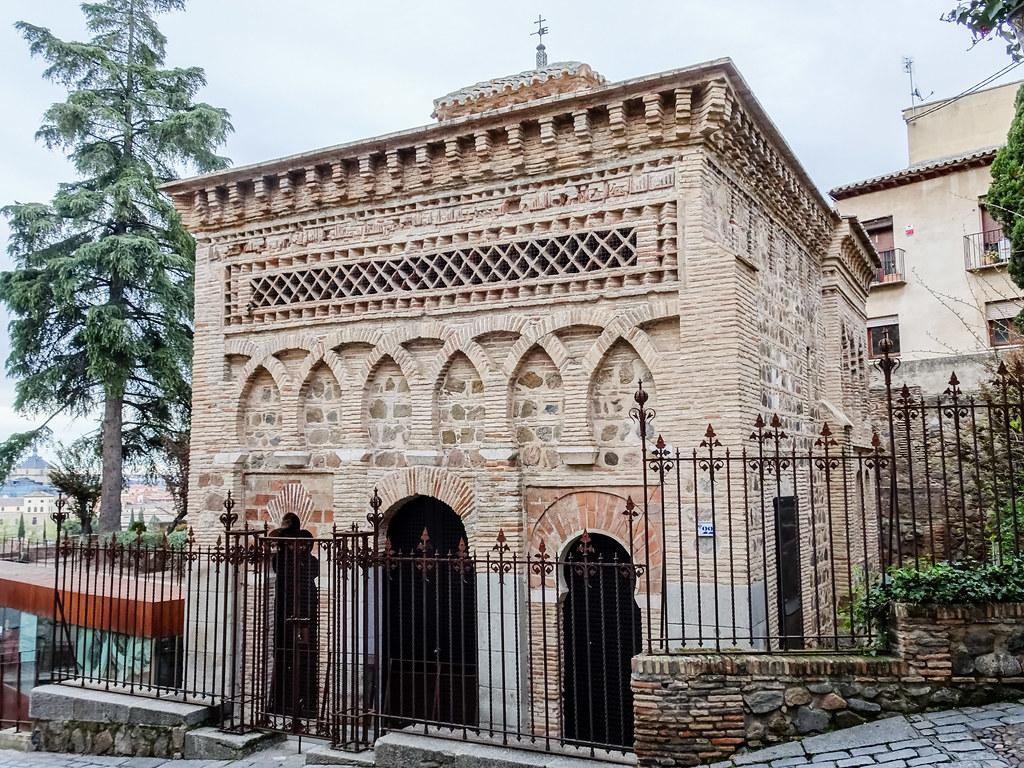 fachada principal exterior Ermita Iglesia del Cristo de la Luz antigua Mezquita de Bab al-Mardum Toledo 01