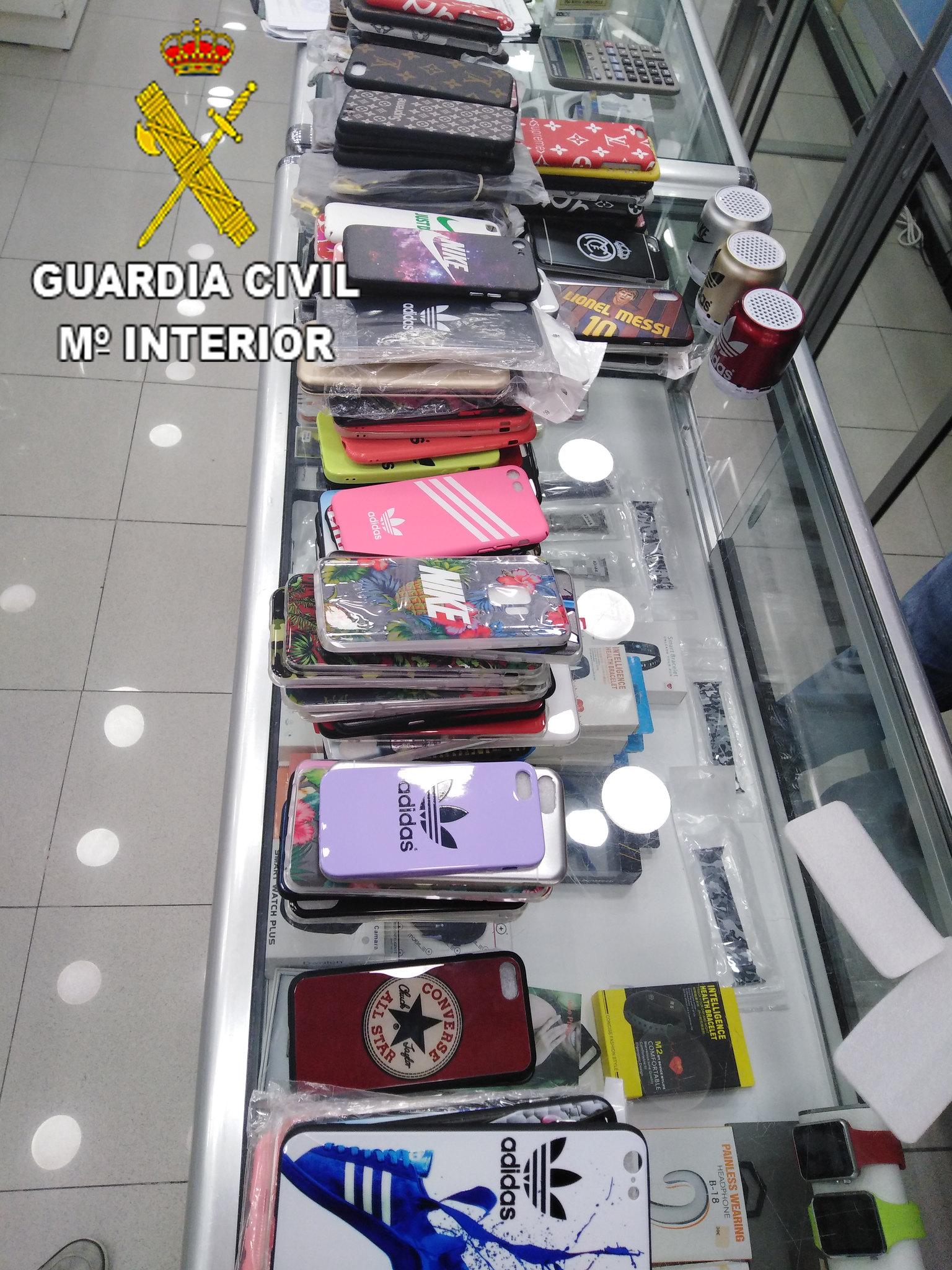 La Guardia Civil interviene en 16 comercios de Gran Canaria por delitos contra la propiedad industrial