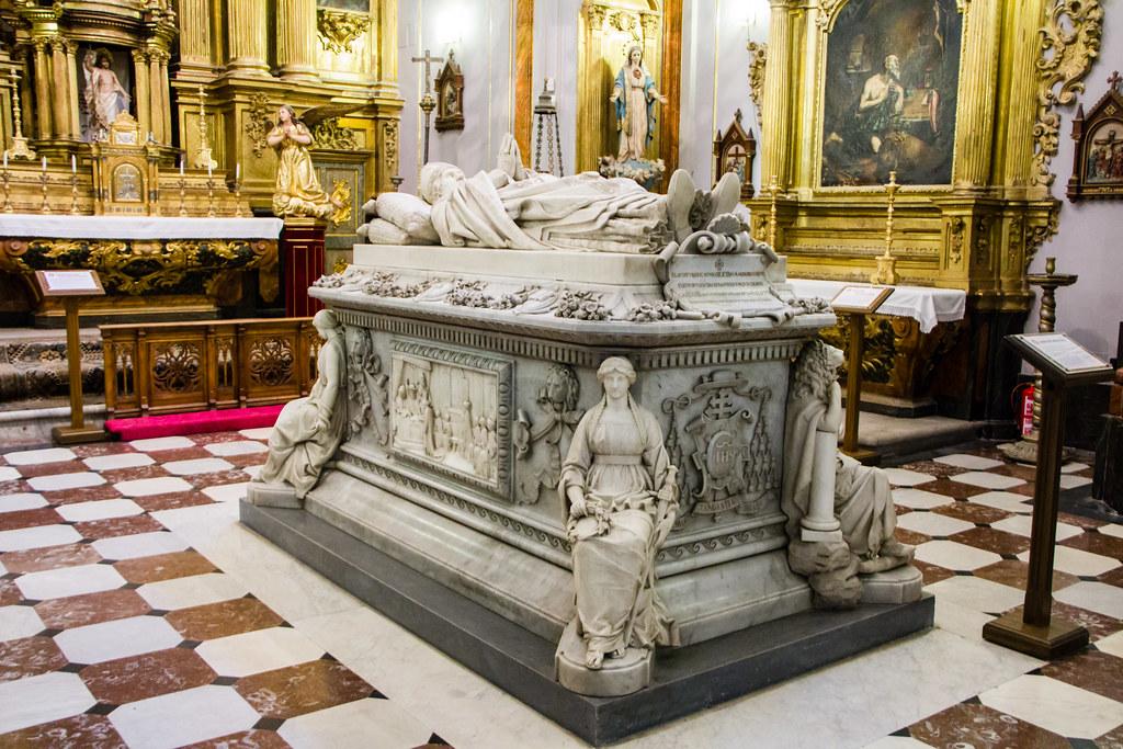 Sepulcro del Cardenal Siliceo escultor Ricardo Bellver y Ramon Real Colegio de Doncellas Nobles Toledo 01