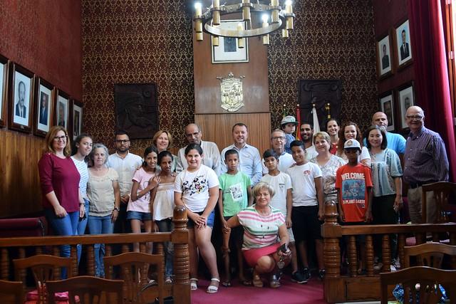 Gáldar da la bienvenida a los niños saharauis acogidos por las familias del municipio