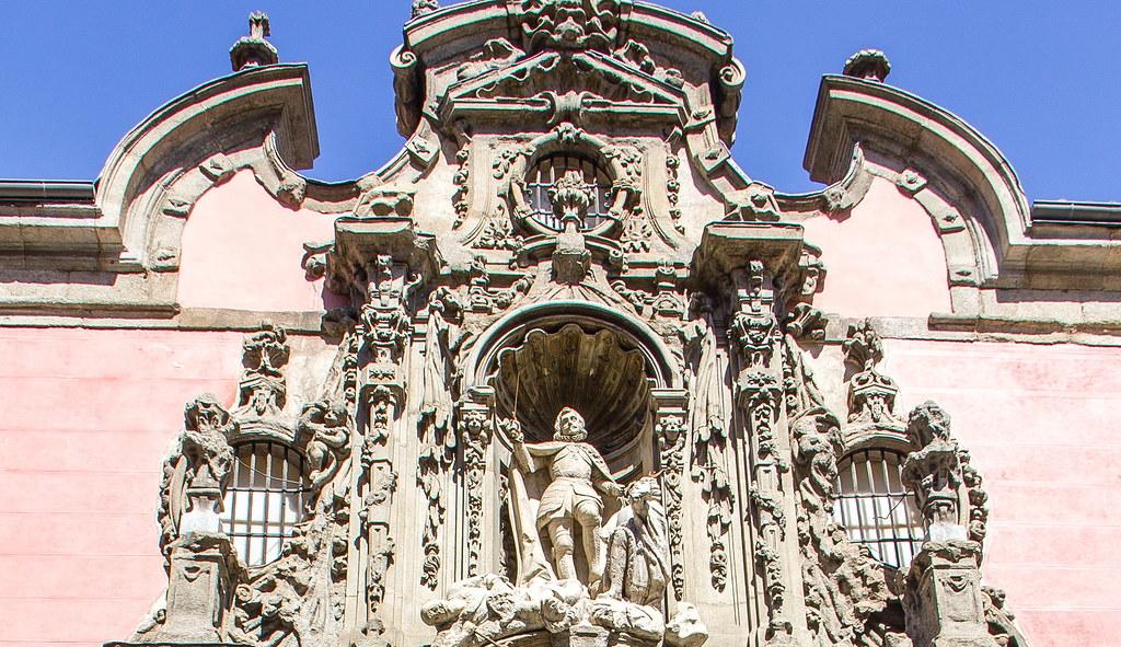 Portada del antiguo Real Hospicio Ave Maria exterior Museo de Historia de Madrid 02a