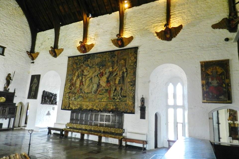 salon interior Castillo de Bunratty Republica de Irlanda 10