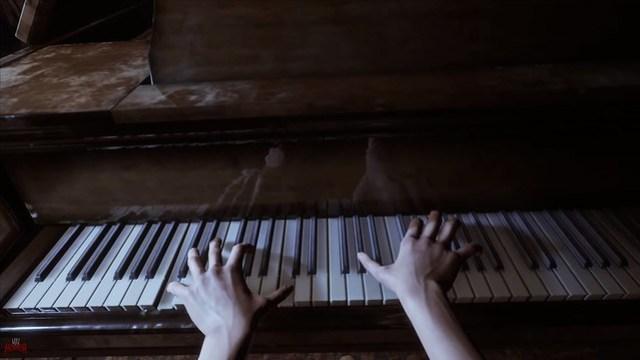 Silberketten - Das Klavier