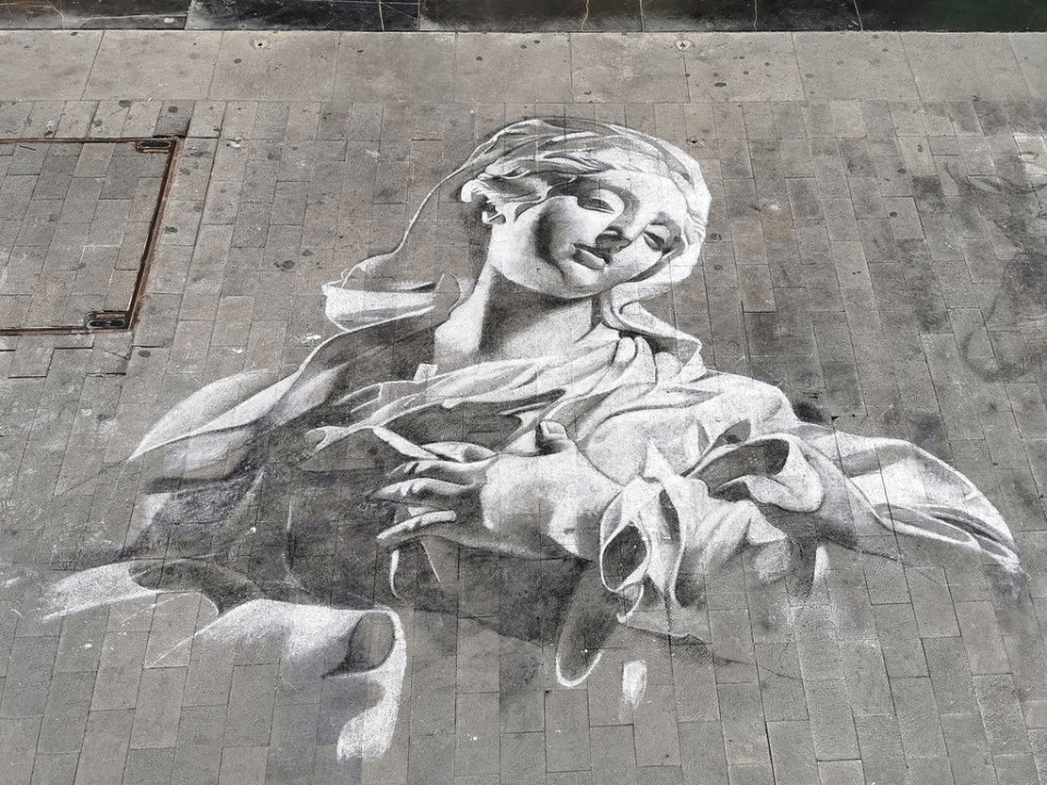 Bianca sus pinturas en la calle Triana Las Palmas de Gran Canaria 01
