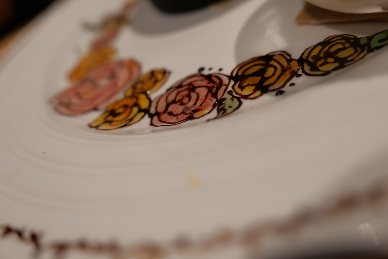 "chocolate drawing ""roses"""