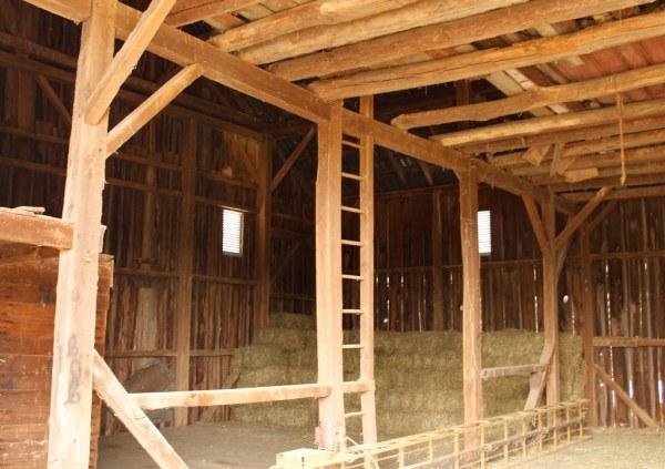 Week 33 - Architecture - 19th Century Pennsylvania Bank Barn