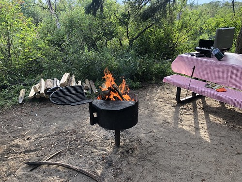 Douglas Provincial Park - Campfire and cooking