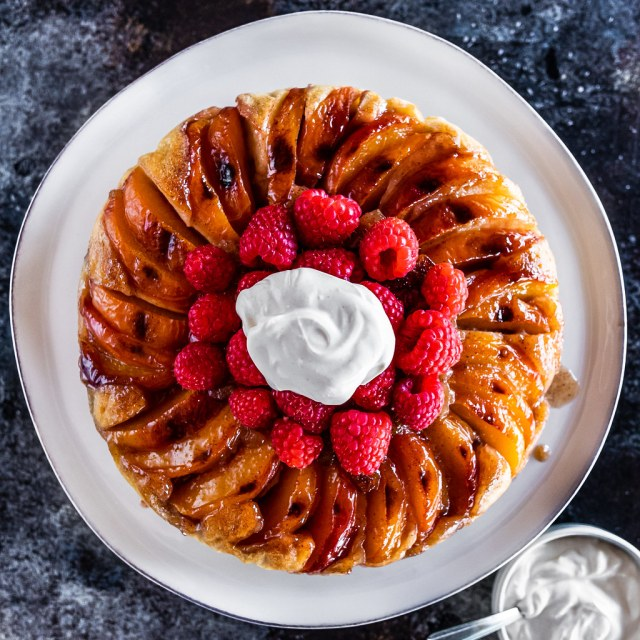 raspberry-peach upside-down cake with ginger-vanilla crème fraîche