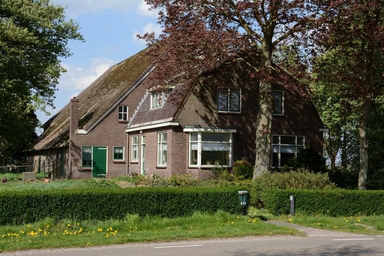 De boerdeij 'De Haalweide'.