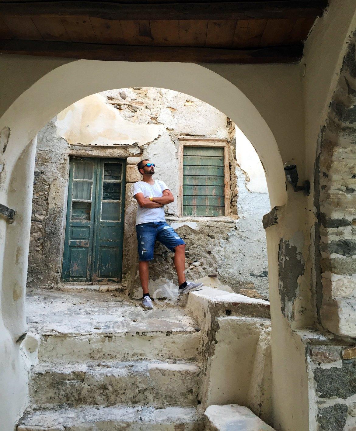 Escenarios de las calles de la Isla de Naxos | Islas Griegas | ClickTrip.ES