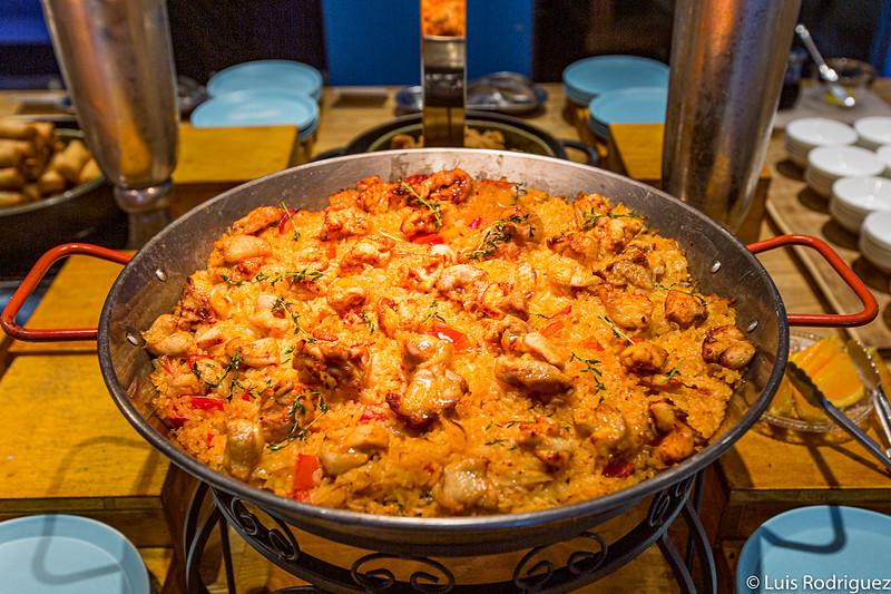 Paella dans Atami retentissant