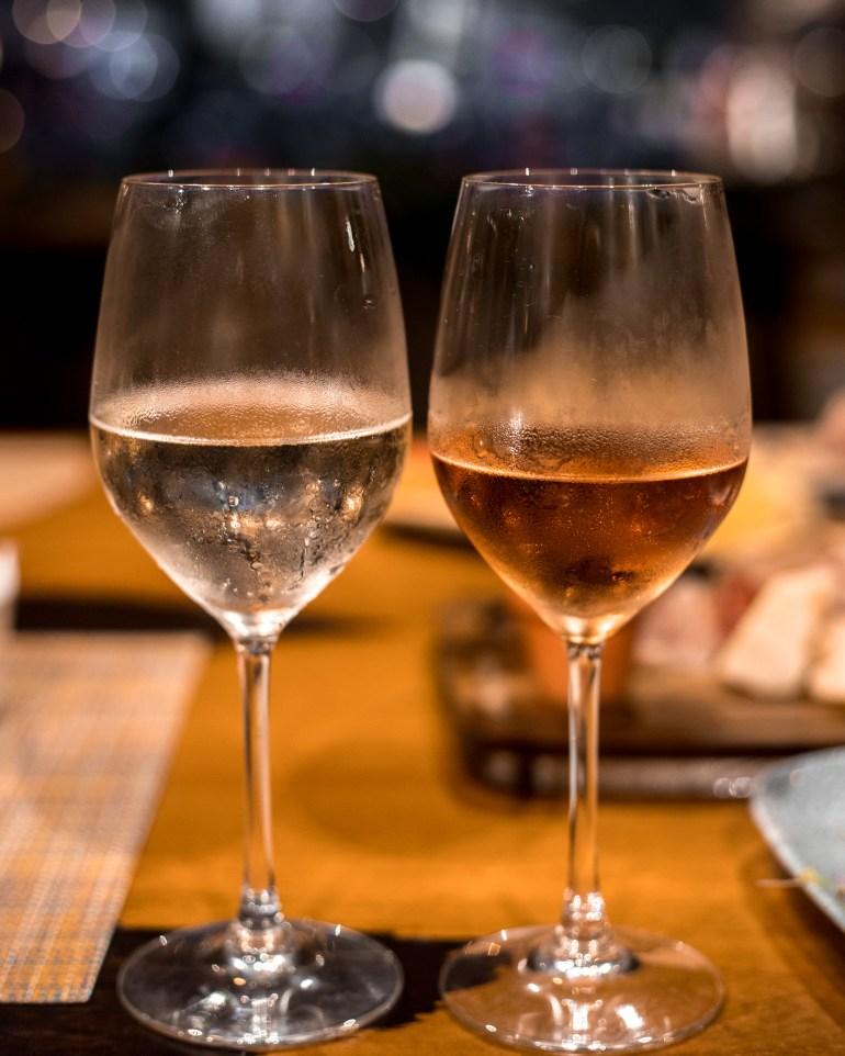 Cattleya Wine Bar - Cattleya Wine Bar at Halekulani, Halekulani wine bar, waikiki wine bar, cattleya, halekulani hotel, halekulani | Wanderlustyle.com