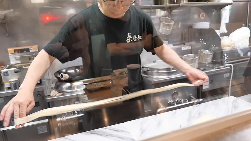もちもちふわふわビャンビャン麺。東京都中央区新川「西安麺荘 秦唐記」