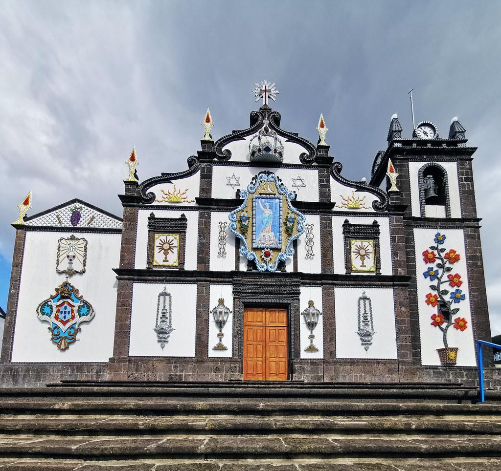 Iglesia de Nossa Senhora dos Anjos Agua de Pau Isla San Miguel Azores Portugal 01