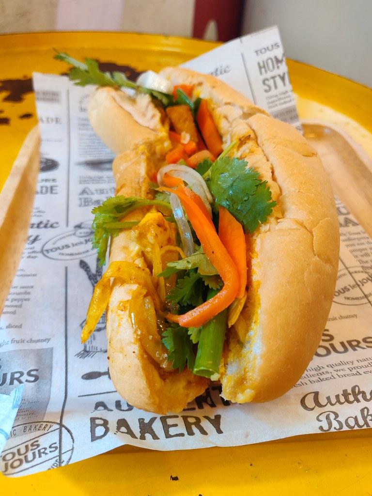 Vegetarian Banh Mi Saigon Etoile