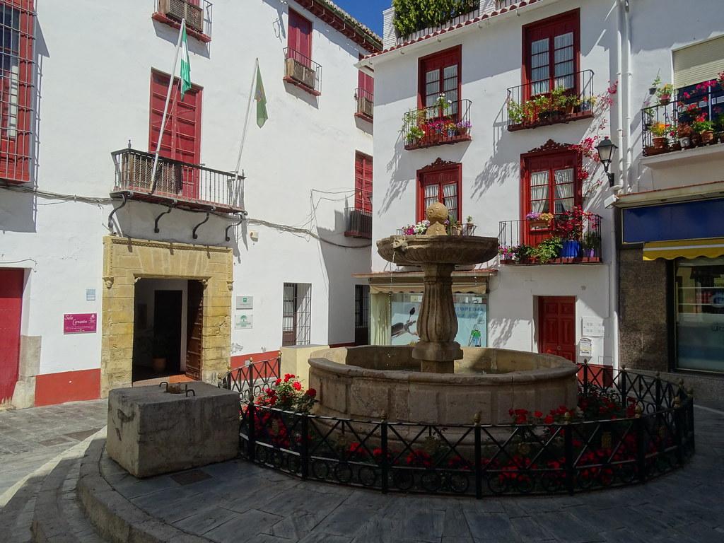 exterior Casa de Cervantes y fuente en la plaza de San Francisco Velez Malaga Málaga
