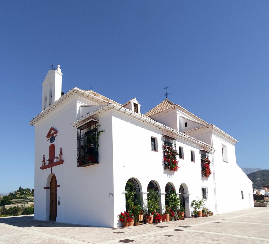 exterior Ermita iglesia de la Virgen de los Remedios Cerro de San Cristobal Velez Malaga Málaga 02