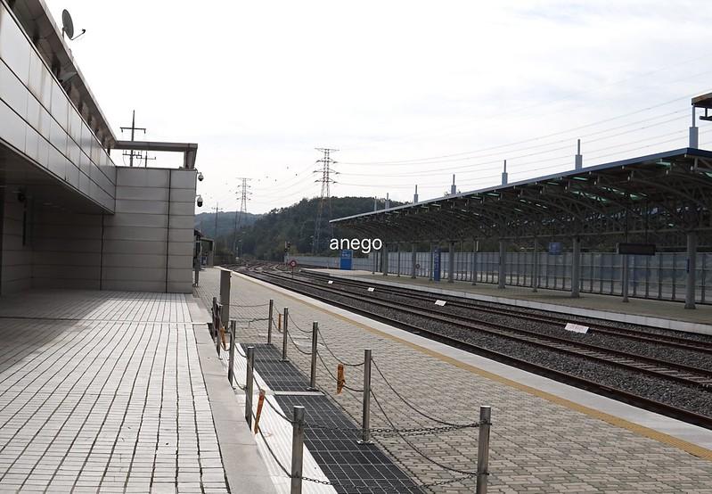 駅のホーム2