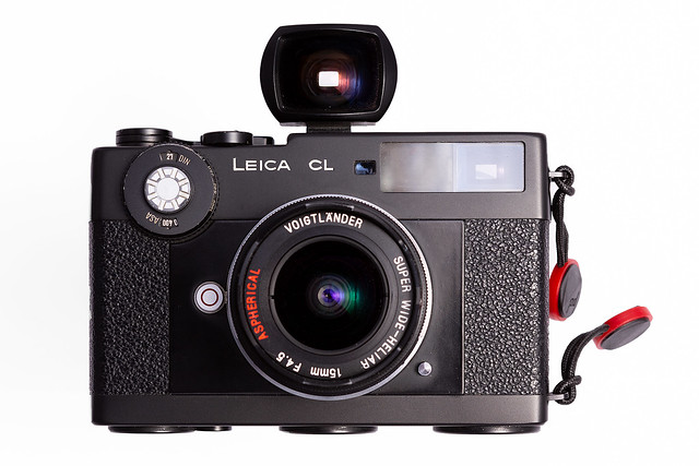 Leica CL mit Voigtländer 15 mm f/4.5 Original Sucher