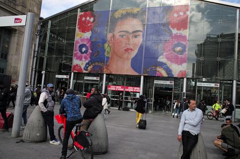 19j11 Gare du Nord_0028 variante Uti 485