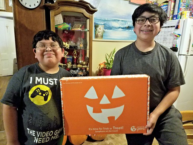 Universal Yums Limited Edition Halloween Box Unboxing! @UniversalYums #MySillyLittleGang