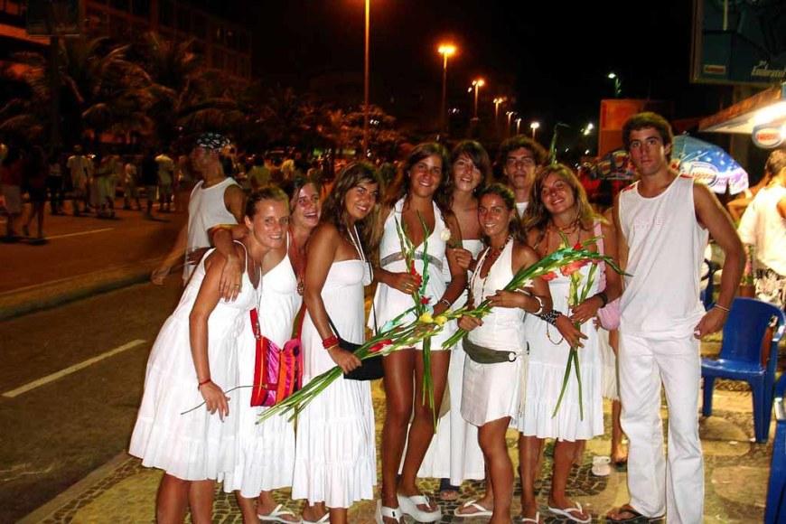 thertwguys-1024px-copacabana-rio-de-janeiro-nye