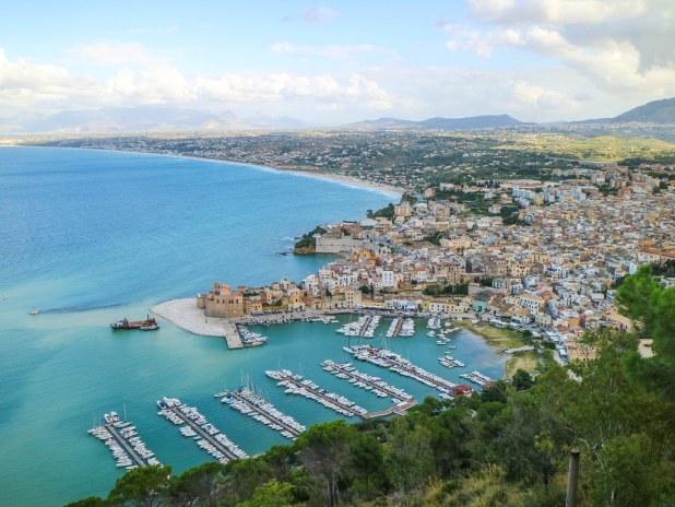 Vista de Castellammare del Golfo desde el mirador Belvedere